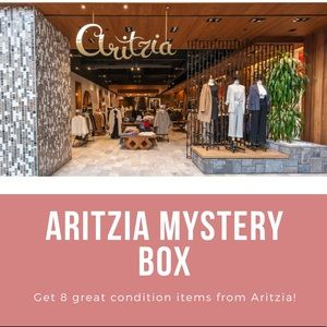 Aritzia Mystery Bundle Reseller Box - 8 pieces